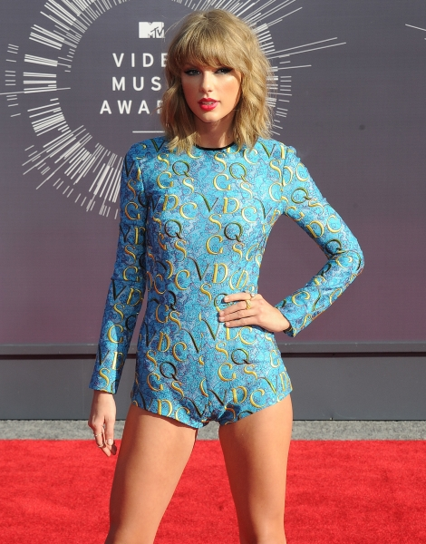 Taylor Swift fans think 'Ready For It?' video costume is a