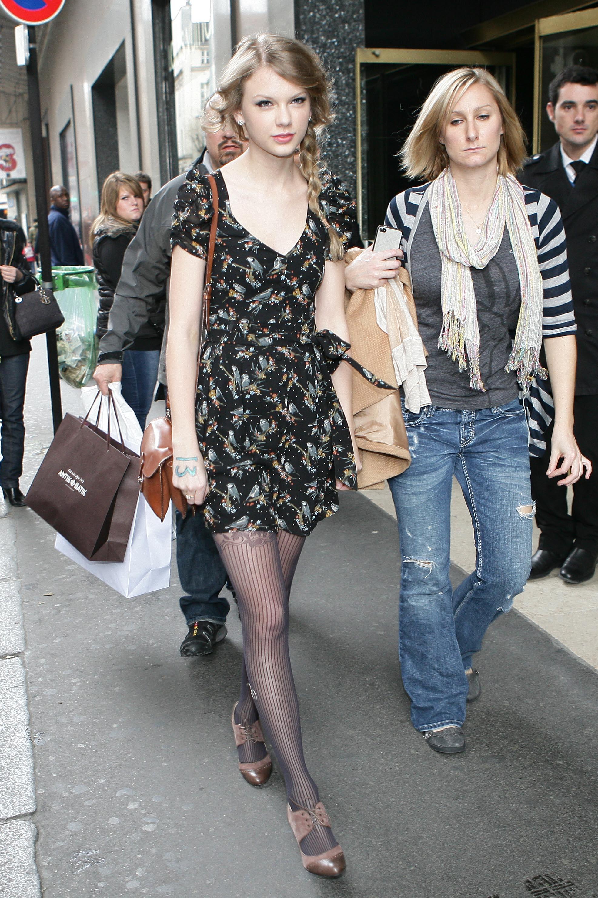now』【03/18/11】小美女购物狂再现巴黎