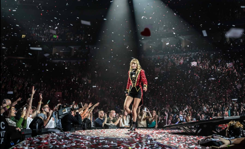 http://www.taylorpictures.net/albums/concerts/2013/redtour/promotionals/001.jpg
