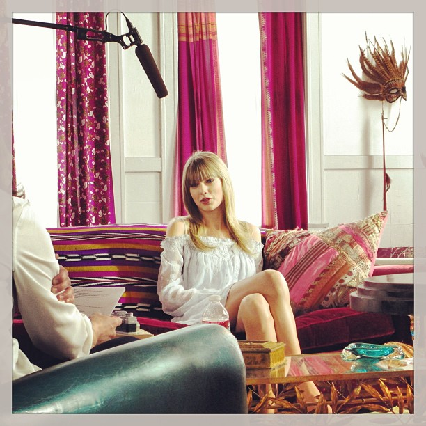 http://www.taylorpictures.net/albums/other/fragrances/taylorbytaylorswift/behindthescenes/007.jpg