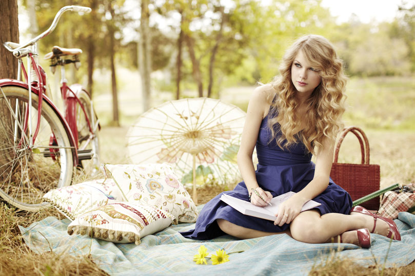 "Celeb Photos: Taylor Swift ""People"" magazine photoshoot ..."