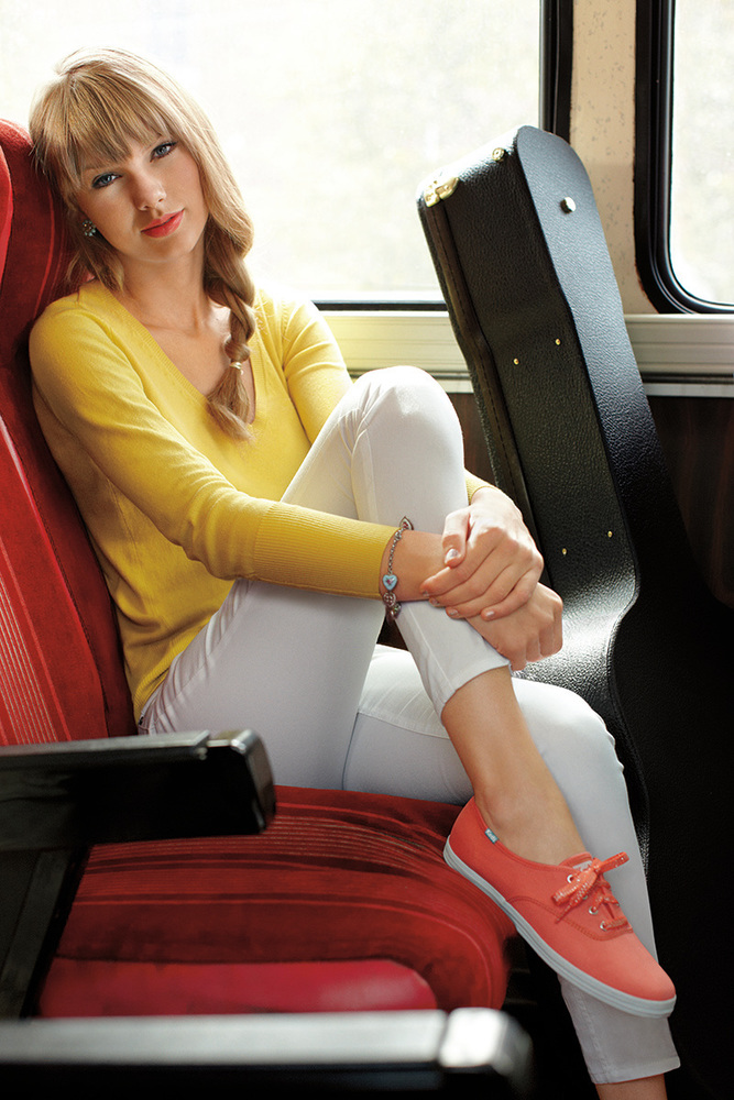 http://www.taylorpictures.net/albums/photoshoots/2012/keds/002.jpg