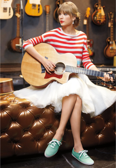 http://www.taylorpictures.net/albums/photoshoots/2012/keds/003.jpg