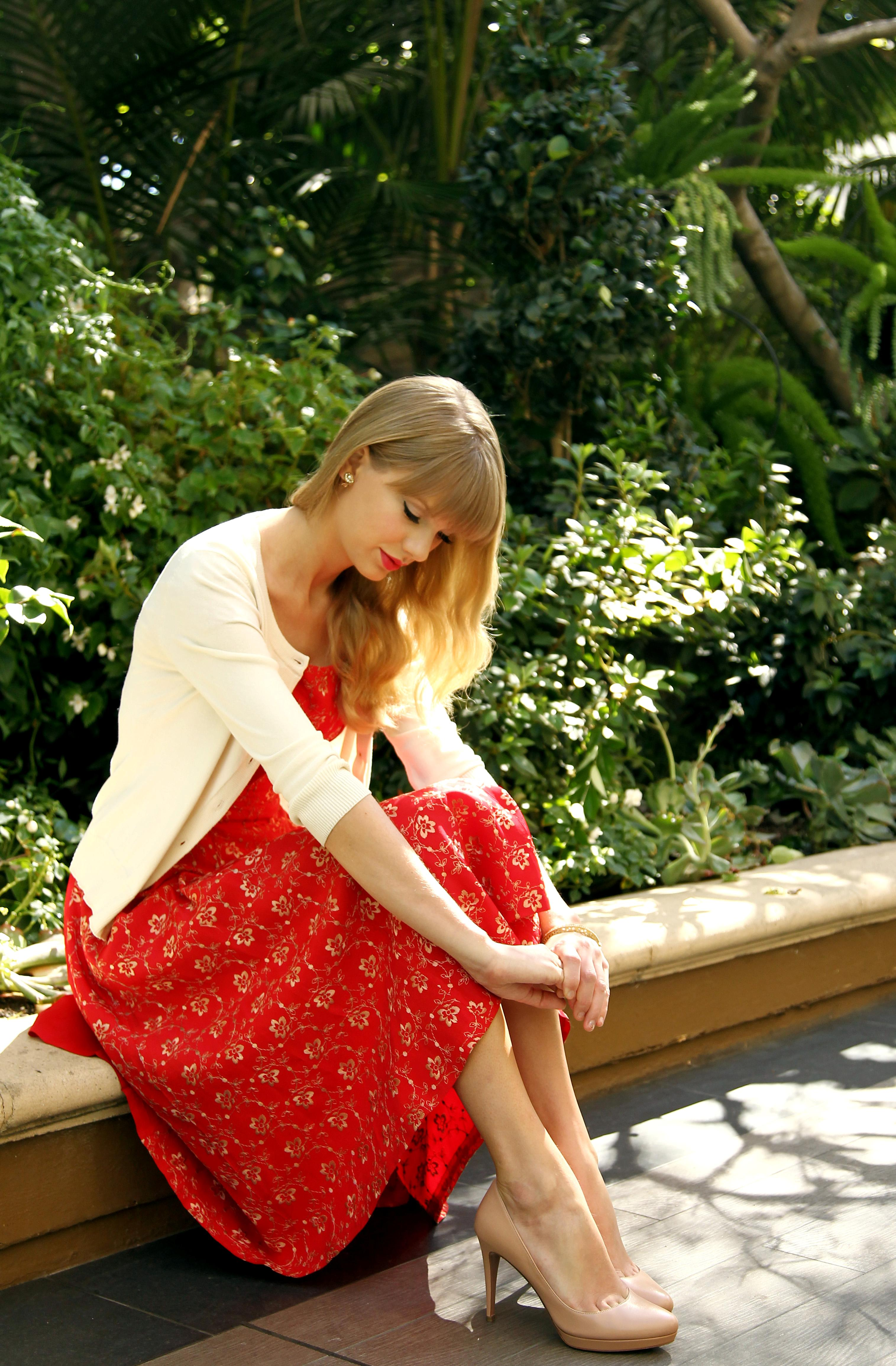 Taylor Swift Taylor Picture Thread 17 Because We Are Getting Spoiled With All These New Pics Next Stop Red Photoshoot Please Page 18 Fan Forum