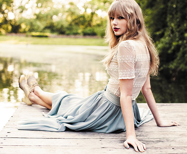 http://www.taylorpictures.net/albums/photoshoots/2012/red/037.jpg