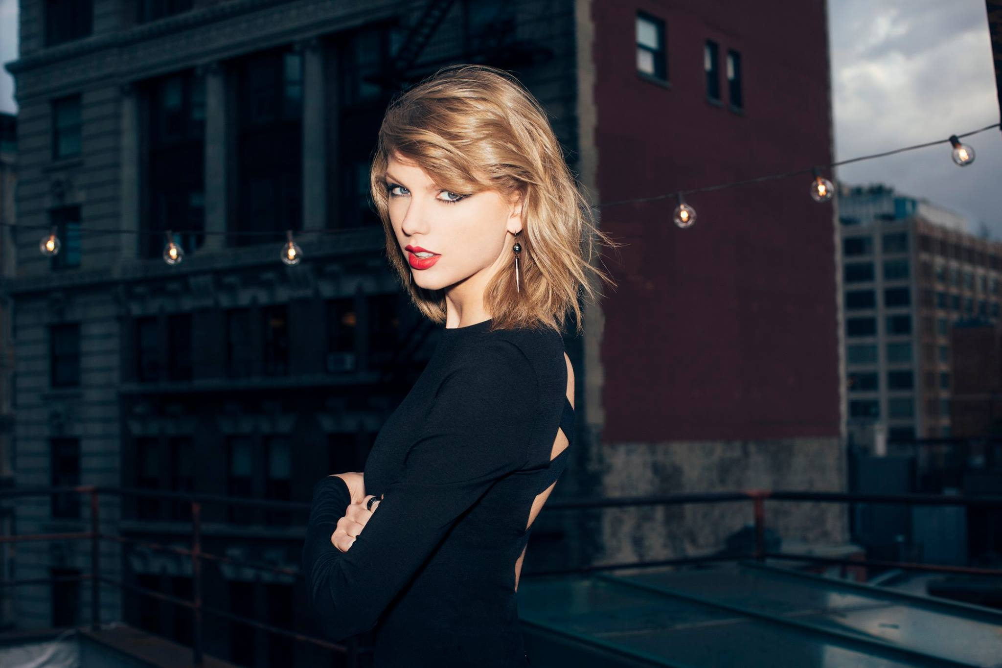 does someone have this picture in full hd? : taylorswift