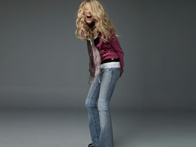 http://www.taylorpictures.net/albums/photoshoots/LEI%20jeans%20photoshoot/normal_taylorweb08.jpg